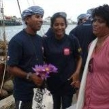 102   Commodore's wife Chandrani and daughter Kavindya have a last minute chat with Capt. Saleh