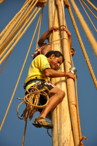 Said Al Tarshi and Sajid Valappil fixing the support strut to the mast