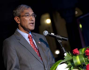 2nd Febuary 2010. Muscat Oman Pictures of the Gala Dinner hosted by HE Sayyid Badr Al Busaidy Secratary-General - Ministry of Foreign Affairs with HE Goh Chok Tong Senior Minister to celebrate the naming of the
