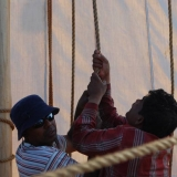 013   Babu Sankaran and Khamis al Hamdani hoist the mizzen sail