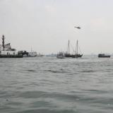 158   A flotilla welcomes Jewel into port