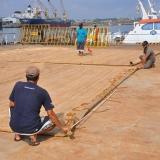 075   Said Al Tarshi and Ayaz Al Zadjali measure the new sails made from palm leaf matting