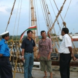 061   Chanaka asked the Sri Lanka Navy to  help him gain access to the pier where the Jewel of Muscat had docked.